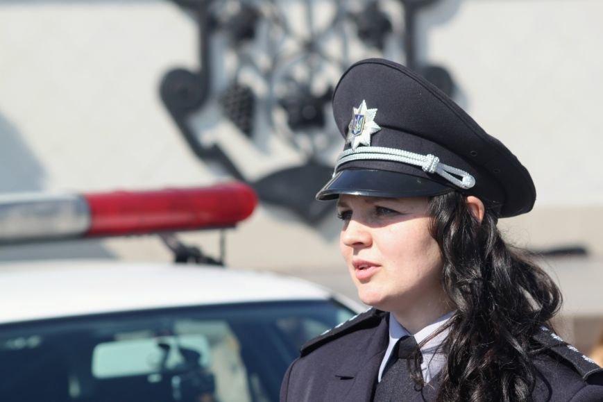 У центрі Ужгорода школярі влаштували флешмоб, щоб закликати водіїв не порушувати ПДР: фоторепортаж, фото-10
