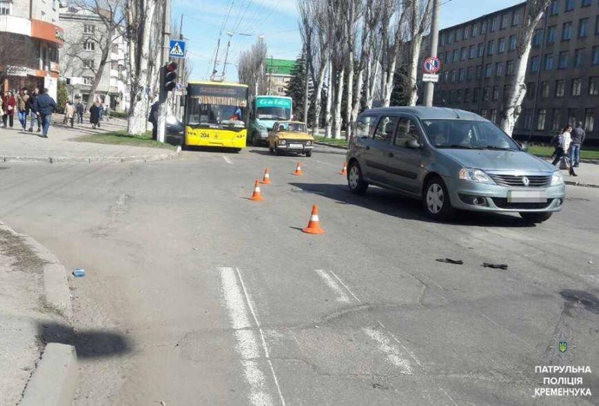 ДТП в Кременчуге: пьяный водитель скрылся с места происшествия, бросив свою пострадавшую пассажирку и мопед (ФОТО), фото-2