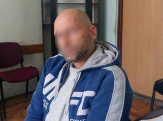 У Мукачеві затримали вбивцю, який позбавив життя свого знайомого ударом ножа у серце: фото, фото-1