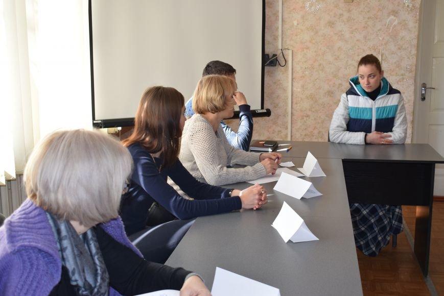 У Покровську «Під одним дахом» громадян консультували з питань їх соціального захисту, фото-2