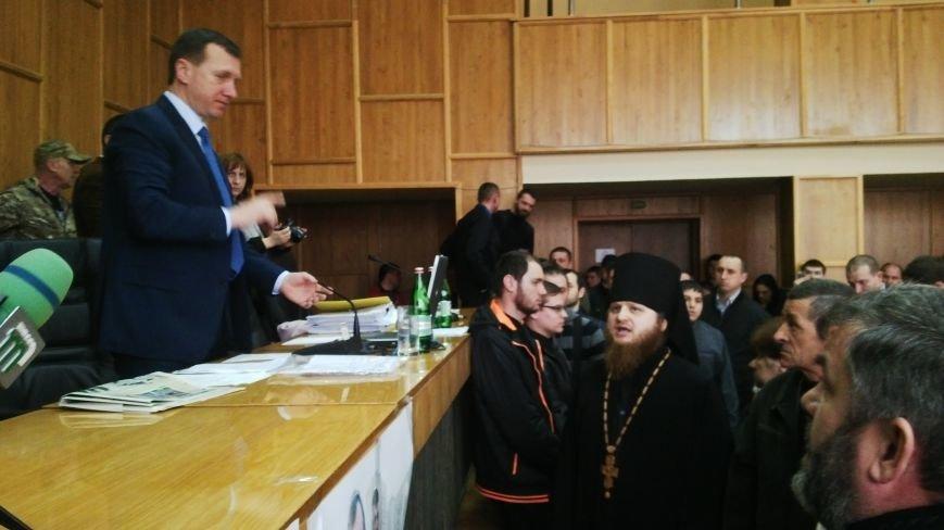 В Ужгороді на сесії побилися військові та священики московського патріархату: фото, фото-7