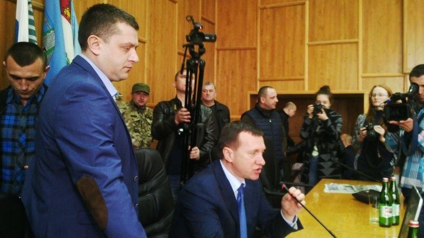 В Ужгороді на сесії побилися військові та священики московського патріархату: фото, фото-4