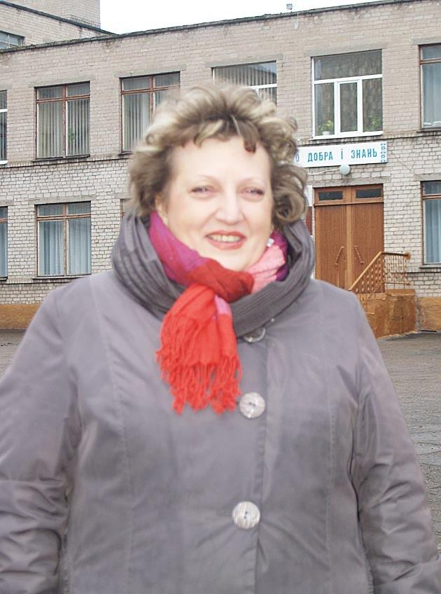 Бывший директор каменской школы №12 покончила с собой, фото-1