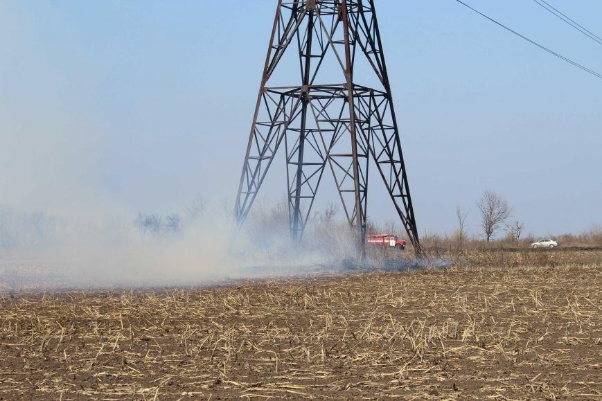 В Каменском горит территория хвостохранилища, фото-9
