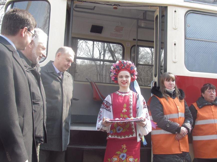 Дождались! Пражские трамваи вышли на маршруты в Мариуполе (ФОТО+ВИДЕО), фото-1