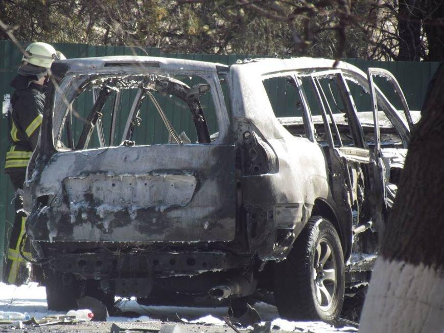 В Мариуполе взорвался джип, погиб сотрудник СБУ (ФОТО+ВИДЕО), фото-3