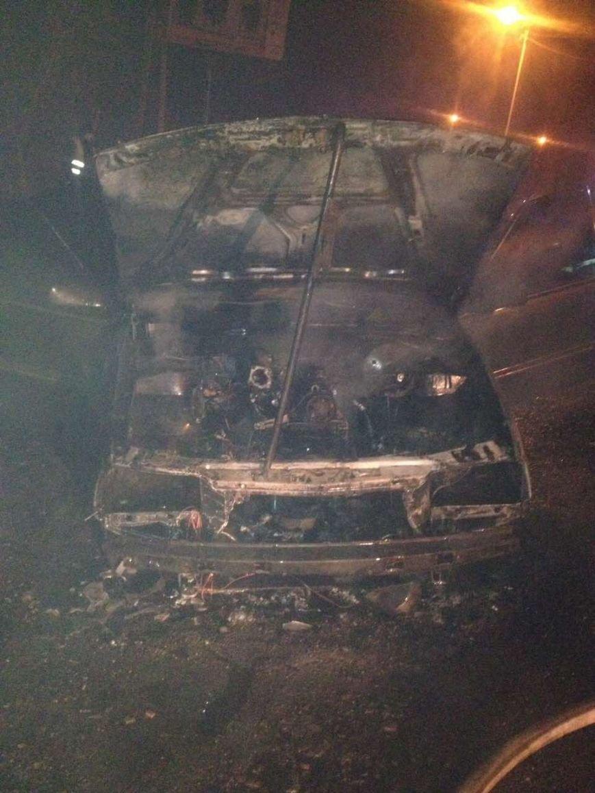 В Кременчуге по неизвестным причинам сгорел автомобиль Опель Омега (ФОТО), фото-3