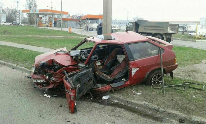 На проспекте Льва Ландау столкнулись две машины: есть пострадавшие (ФОТО), фото-3