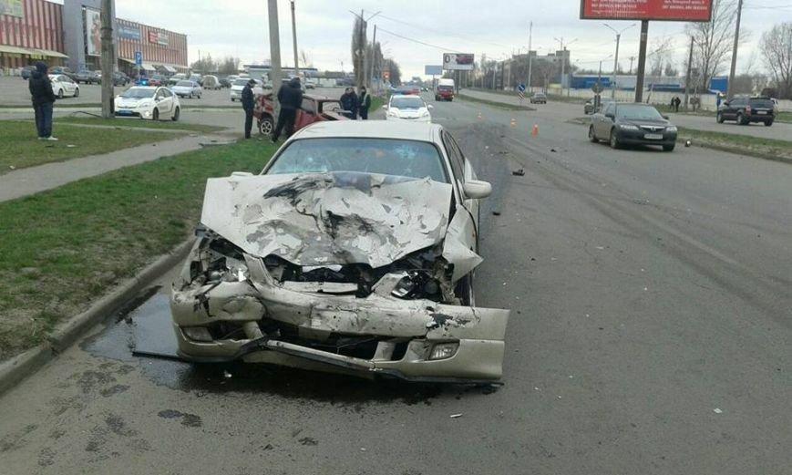 На проспекте Льва Ландау столкнулись две машины: есть пострадавшие (ФОТО), фото-2