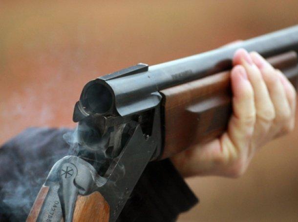Житель Сваляви на 1-ше квітня прийшов до поліції із мисливською рушницею, фото-1