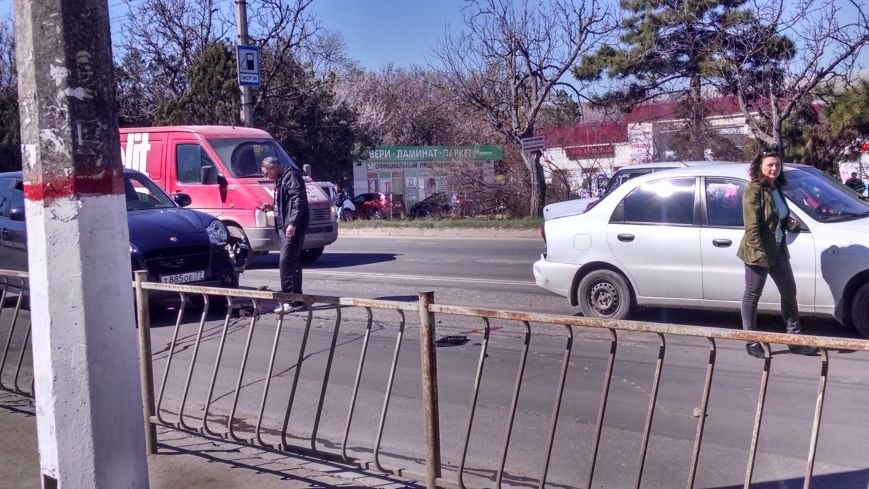 Невеселый День смеха: апрель в Симферополе начался с аварий (ФОТО), фото-5