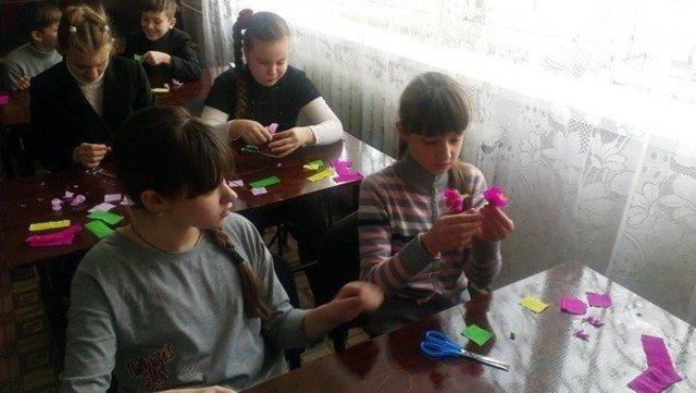В Бахмутской школе расцвела сакура, фото-1
