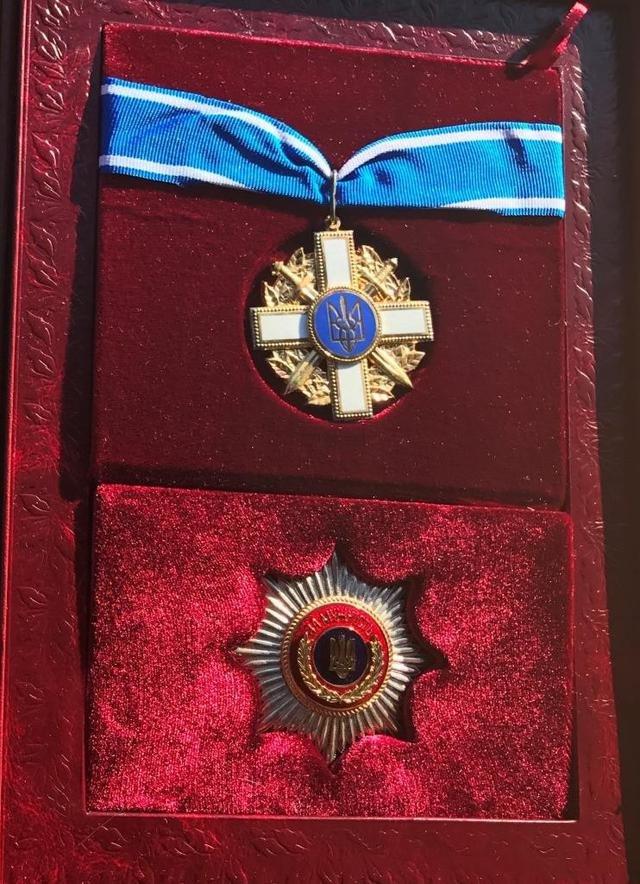 Президент посмертно наградил полковника СБУ, которого взорвали в Мариуполе (ФОТО + ВИДЕО), фото-9
