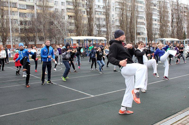 Алексей Стоян открыл в Белгороде сезон общегородских зарядок, фото-5