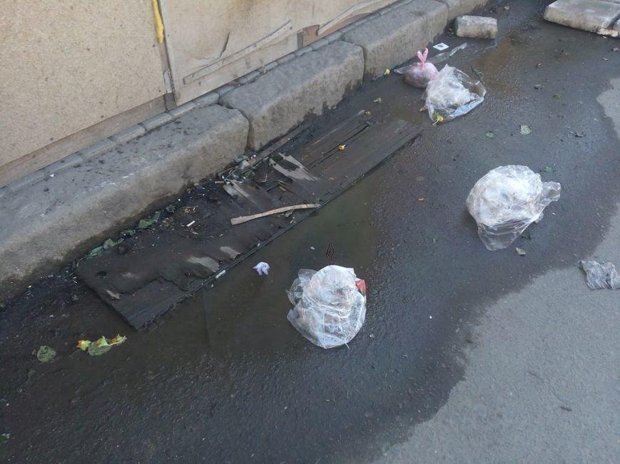 Стало ясно, кто засыпает мусором одесский «Привоз» (ФОТО), фото-5
