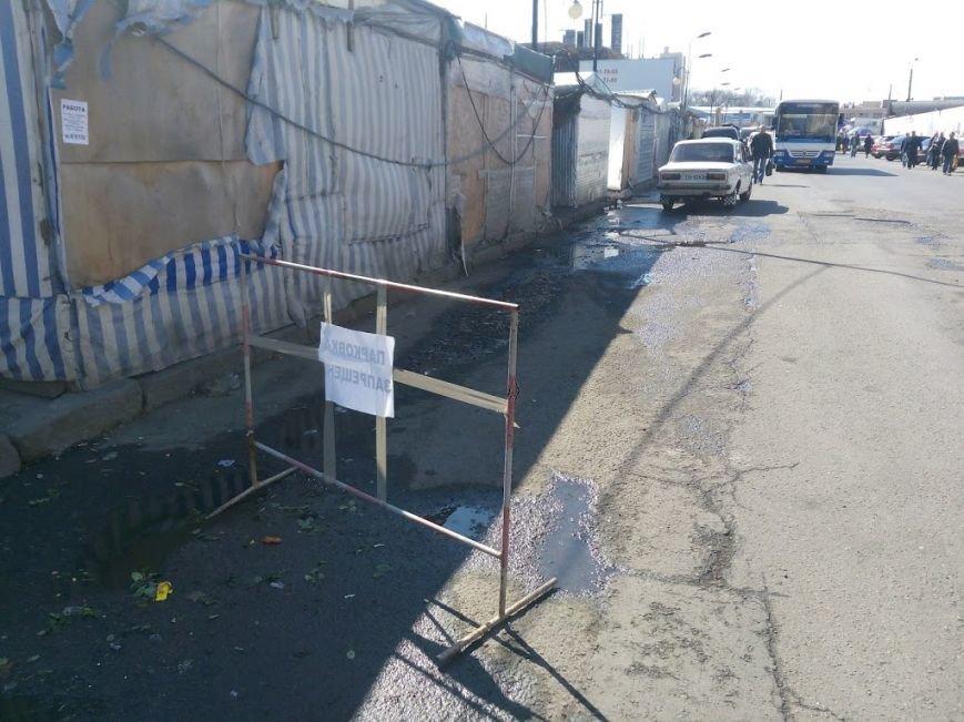 Стало ясно, кто засыпает мусором одесский «Привоз» (ФОТО), фото-2