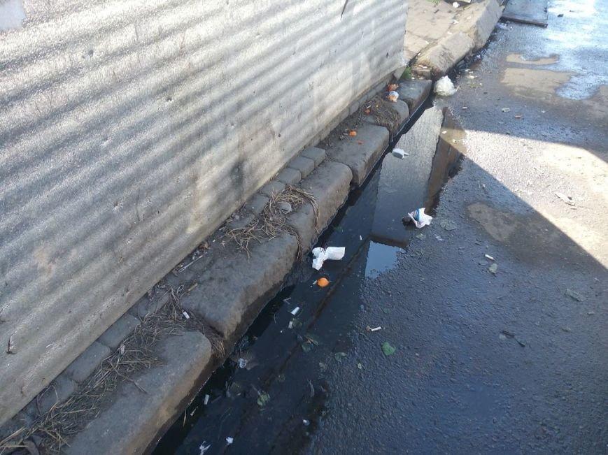 Стало ясно, кто засыпает мусором одесский «Привоз» (ФОТО), фото-3