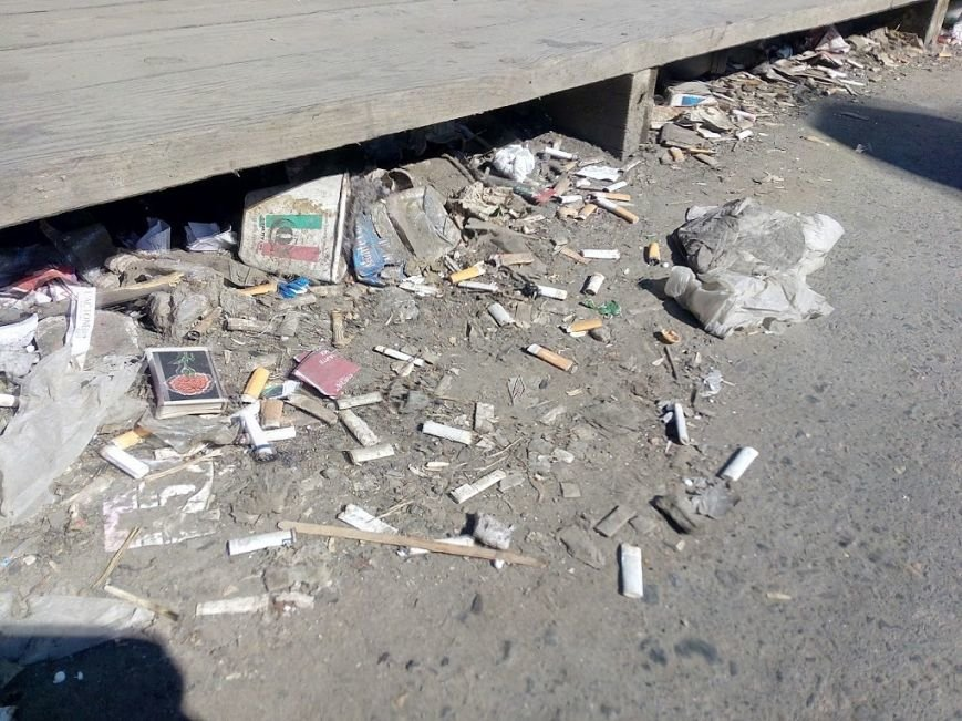Стало ясно, кто засыпает мусором одесский «Привоз» (ФОТО), фото-1