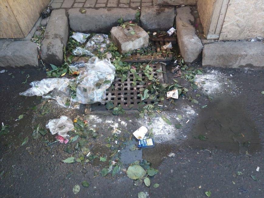 Стало ясно, кто засыпает мусором одесский «Привоз» (ФОТО), фото-4