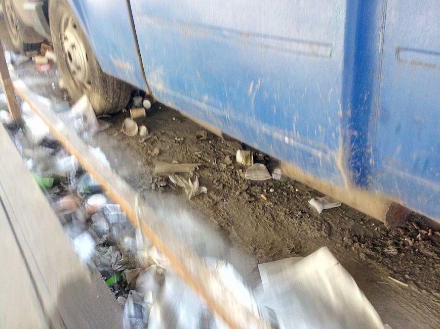 Стало ясно, кто засыпает мусором одесский «Привоз» (ФОТО), фото-7