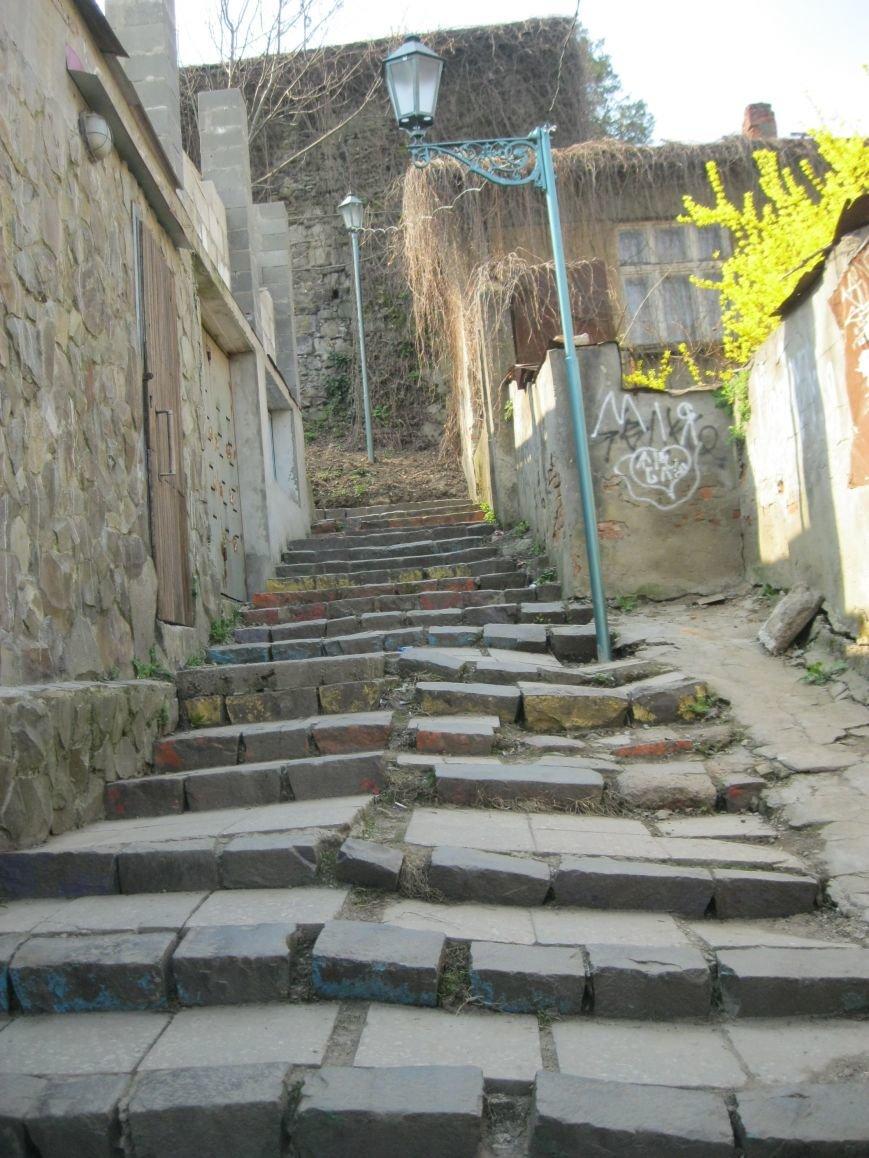 В Ужгороді капітально відремонтують Замкові сходи за півмільйона гривень: фоторепортаж, фото-5