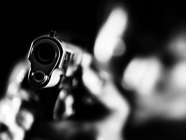 """""""Не бійтеся"""" - ужгородський дебошир з Минайської навів на патрульних зброю: відео, фото-1"""