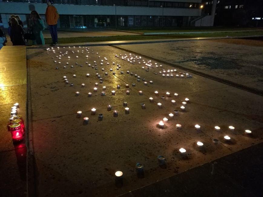 Симферопольцы зажигают лампадки и скорбят по погибшим в результате взрыва в Санкт-Петербурге (ФОТОФАКТ), фото-1