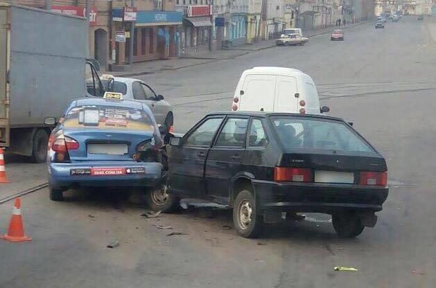 ДТП на Московском проспекте: есть пострадавшие (ФОТО), фото-1