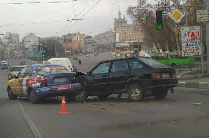 ДТП на Московском проспекте: есть пострадавшие (ФОТО), фото-2