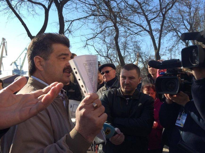 В Мариуполе группа докеров устроила митинг и разгневала других портовиков (ФОТО, ВИДЕО), фото-7