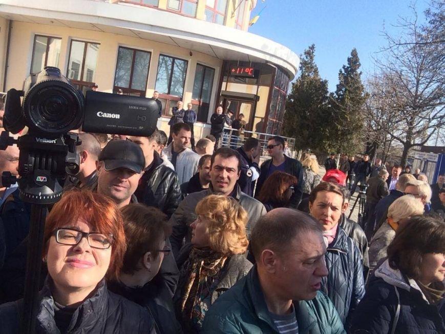 В Мариуполе группа докеров устроила митинг и разгневала других портовиков (ФОТО, ВИДЕО), фото-15
