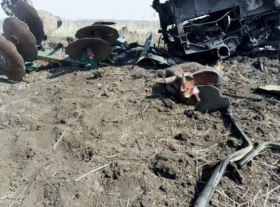 В Донецкой области трактор наехал на мину в поле, фото-1