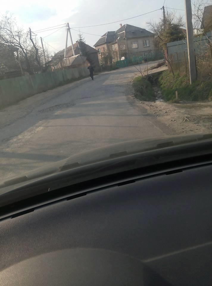 """У мікрорайоні """"Горяни"""" через обвал дороги трапляються ДТП: фото, фото-5"""