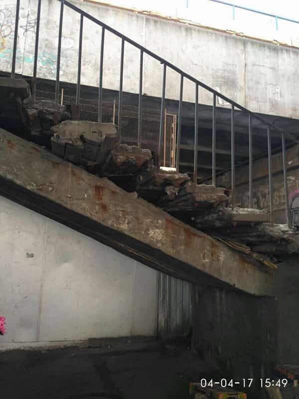 Еще один мост: в Киеве кусок бетона травмировал женщину (ФОТО), фото-3