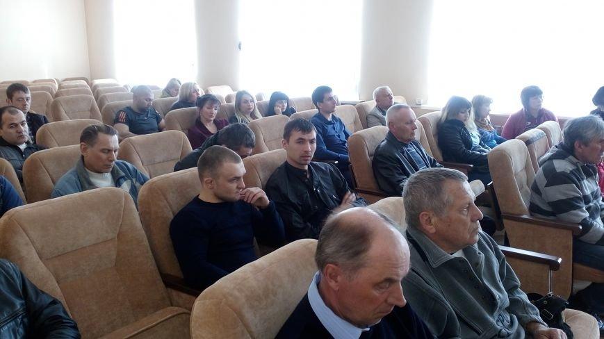 Жителей Покровска призвали обустроить и отремонтировать спортивные площадки по месту жительства, фото-1