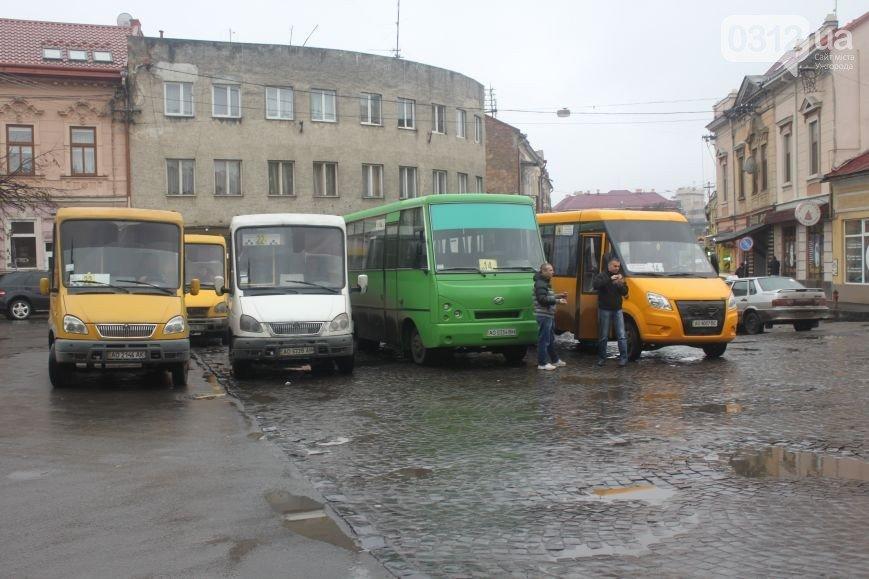 """В Ужгороді можуть перенести кінцеві зупинки """"маршруток"""" на Корятовича та Чорновола, фото-1"""