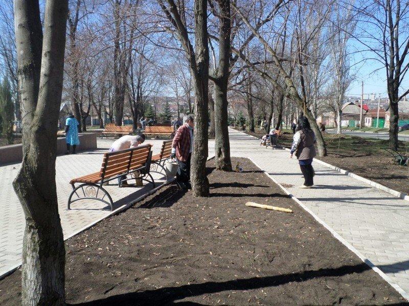 Учебные заведения города присоединились к городским субботникам (ФОТОРЕПОРТАЖ), фото-12