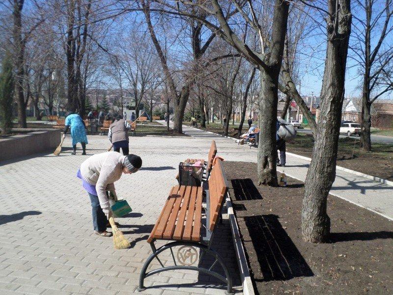 Учебные заведения города присоединились к городским субботникам (ФОТОРЕПОРТАЖ), фото-6