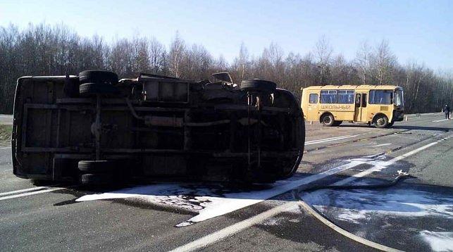 Под Бешенковичами школьный автобус врезался в маршрутку: 9 человек попали в больницу, фото-1