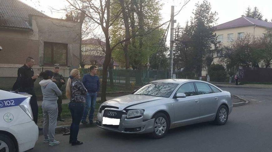"""В Ужгороді на перехресті Закарпатської та Загорської зіткнулись """"Ауді"""" та """"БМВ"""": фото, фото-2"""