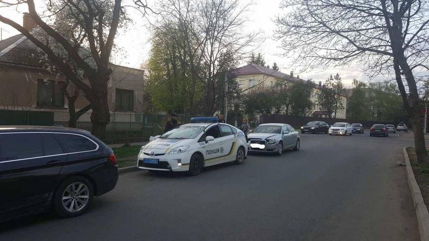 """В Ужгороді на перехресті Закарпатської та Загорської зіткнулись """"Ауді"""" та """"БМВ"""": фото, фото-5"""