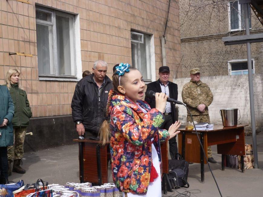 Первые весенние призывники Покровска отправились на защиту Родины, фото-21