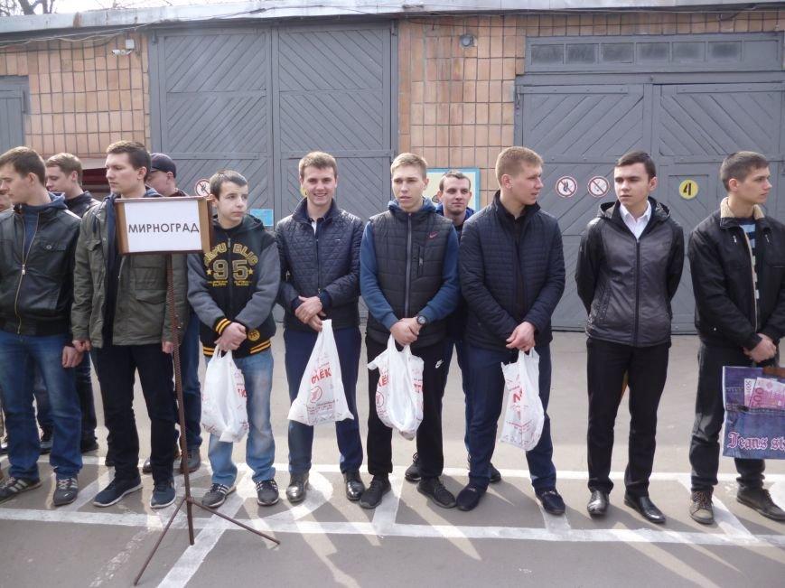 Первые весенние призывники Покровска отправились на защиту Родины, фото-16