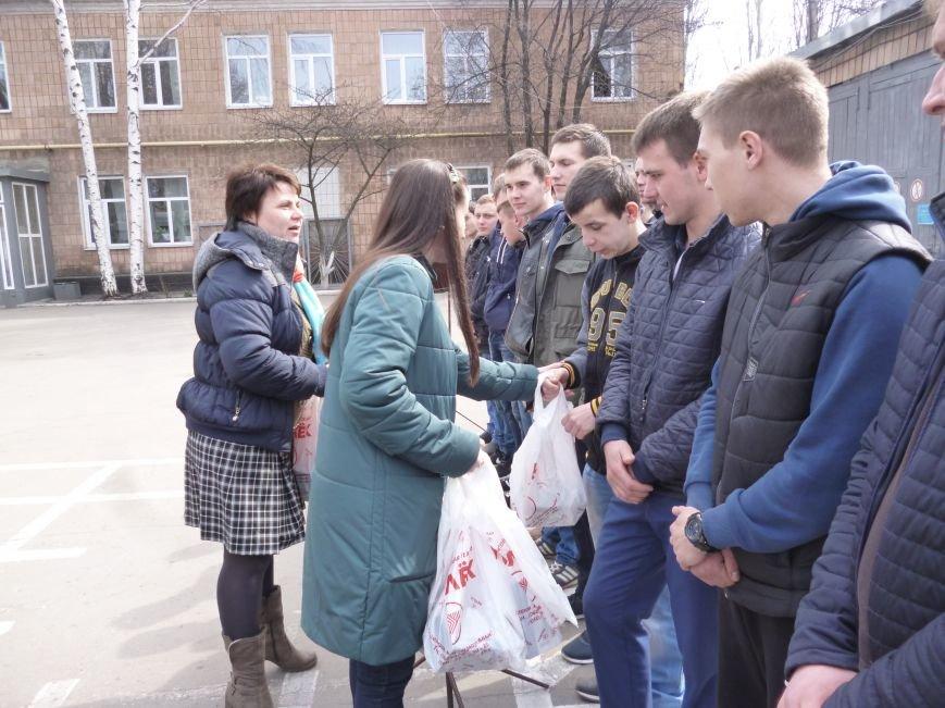 Первые весенние призывники Покровска отправились на защиту Родины, фото-13