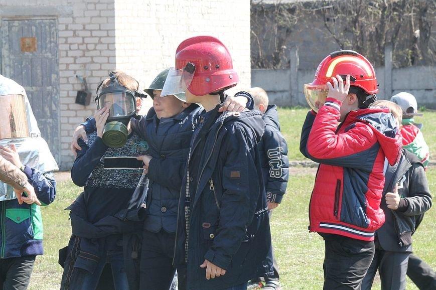 Мирноград: школьники провели один день как настоящие спасатели, фото-5