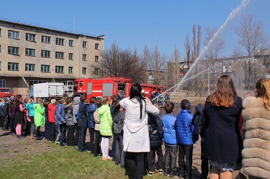 Мирноград: школьники провели один день как настоящие спасатели, фото-4