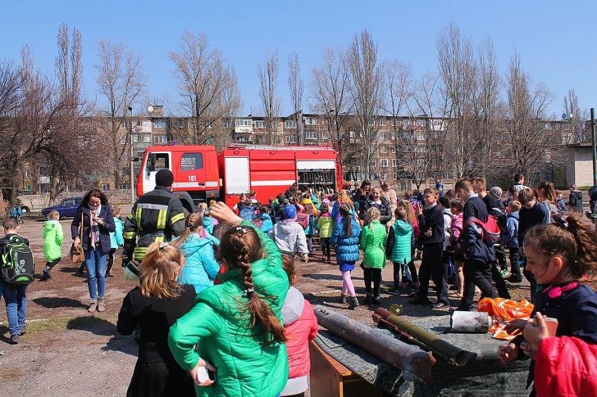 Мирноград: школьники провели один день как настоящие спасатели, фото-7