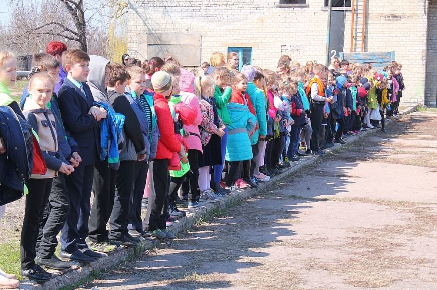 Мирноград: школьники провели один день как настоящие спасатели, фото-2