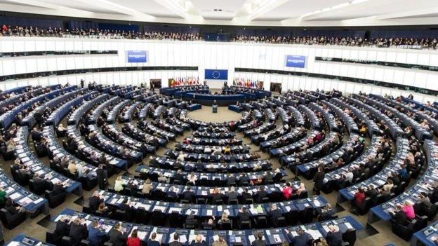 Европарламент проголосовал за безвиз для  Украины, фото-2
