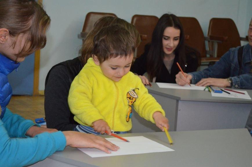 В музее провели творческую акцию «Путешествие в страну детства», фото-1